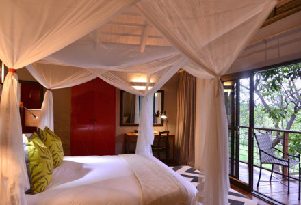 01-Victoria-Falls-Safari-Suites-Gallery-room