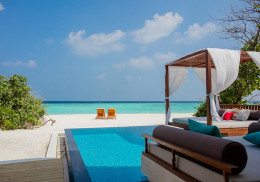 02-Beach-Pool-Villa-Outside-View-4