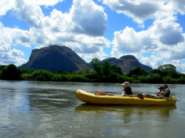 05-Lugenda-canoeing-2-copy